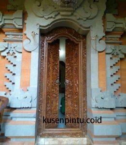 Pintu Rumah Gaya Bali