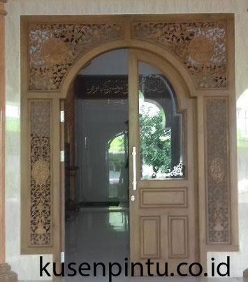 Pintu Masjid Antik